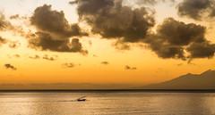 Petit pêcheur et grand Océan .. Bali (geolis06) Tags: geolis06 bali 2015 asie asia indonésie indonésia amed olympusem5 olympus olympusm1240mmf28 plagedebali balibeach fishermens boatsbateaux de pêcheursbali jukung