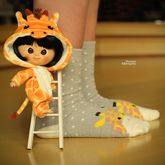 Half-pint?! (Passion for Blythe) Tags: halfpint giraffe muichan minimuidhan tiny cute