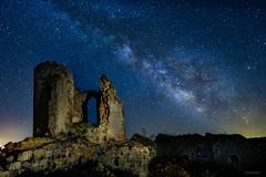 Saelices-VL2 (invesado) Tags: nikond750 nocturna milky way castillo lightpainting noche cuenca estrellas