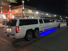 38 foot Cadillac Limousine, the longest limo I ever seen (Bob the Real Deal) Tags: huge longest biggest cool fresno car big limo limousine long