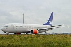 """Ore Viking"" SAS Scandinavian Airline System LN-RPR Boeing 737-883 cn/30468-668 @ Taxiway Q EHAM / AMS 13-10-2016 (Nabil Molinari Photography) Tags: oreviking sas scandinavian airline system lnrpr boeing 737883 cn30468668 taxiway q eham ams 13102016"