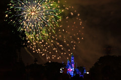 The magic of Disney! (Manas_50mm) Tags: firework disney nightscape nightphotography night longexposure canon california travel light lighttrails sky park