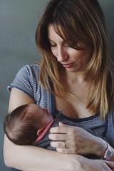 Motherhood (Alessio Vincenzo Liquori) Tags: pentax pentaxk1 pentaxfa85mmf14 portrait motherhood mother mom mommy mummy child baby newborn