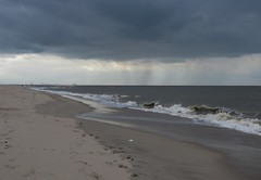 Distant rain (Elisa1880) Tags: kijkduin the hague den haag strand beach zand sand sea zee bad weather thunderstorm slecht weer onweer op komst wolken clouds rain regen