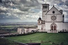PAX (Aránzazu Vel) Tags: basilicasanfrancescoassisi assisi asis umbria italia italy church iglesia chiesa landscape nubes cloud sky cielo nubi unesco