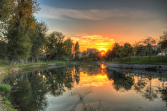 Autumn sunset in the park (The Frustrated Photog (Anthony) ADPphotography) Tags: category eskisehir hdr kanlikavakpark landscape places travel turkey turkiye park river evening sky clouds trees reflections riverbank colourful sigma1020mm canon70d canon outdoor greenery citypark watercourse water goldensky tree serene wood grass sunset