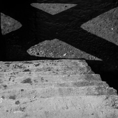 The shadow of a doubt (franleru1) Tags: 1x1 effets escalera escaliers olympus ombre photoderue stairs streetphotography blackandwhite graphic graphique monochrome noiretblanc shadow