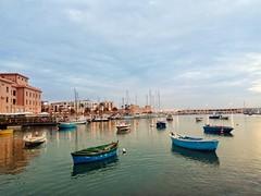 Porto di Bari, Puglia. (silviamaggi) Tags: puglia bari porto navi luci mare barche riflesso