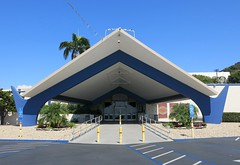 Former Bowlero Bowling Alley, San Diego, Calif. (year opened: 1958) (hmdavid) Tags: bowlero bowling missionvalley sandiego california masonic lodge midcentury modern architecture 1950s
