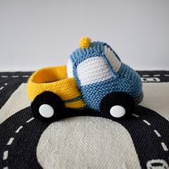 Toy Truck (Knitting patterns by Amanda Berry) Tags: truck trucks lorry lorries knit knits knitting knitted knitter knitters amanda berry crafting crafts craft makers making yarn dk fluff fuzz transport vehicle pattern patterns