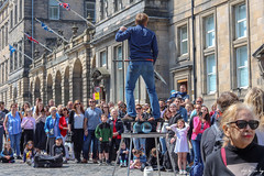 Street Performer (Cycling Road Hog 2018) Tags: canoneos750d citylife colour ef50mmf18stm edinburgh man niftyfifty people places royalmile scotland street streetphotography streetportrait urban
