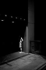 (winn s) Tags: shadow light streetphotography blackandwhite leicablackandwhite m10 leicam10 leicam leica