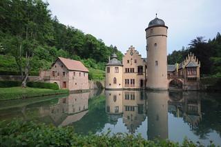 {EXPLORE} Schloss Mespelbrunn