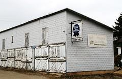 Teddy's Bar - Hustisford, Wisconsin (Cragin Spring) Tags: wisconsin wi midwest unitedstates usa unitedstatesofamerica garage bar beersign pabst pbr sign hustisford teddys teddysbar teddysbargrill hustisfordwi hustisfordwisconsin