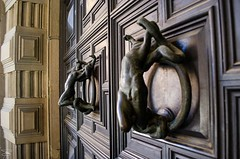 Passeggiando per Bologna (giannizigante) Tags: bologna santostefano centrostorico chiesa lesettechiese passeggiata