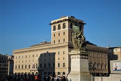 Plaza Venecia (Roma, Italia, 14-10-2017) (Juanje Orío) Tags: roma rome italia italy 2017 plaza escultura sculpture patrimoniodelahumanidad worldheritage
