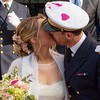 Captain love (Charles-Fernand) Tags: mariage wedding militaire military peace love paix amour baiser kiss coeur heart