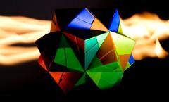 Boîte en feu (Ste.Baz) Tags: boiteenfeu box boite feu fire macro origami