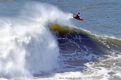 "LUCAS CHIANCA ""Chumbinho"" / 8082NBW (Rafael González de Riancho (Lunada) / Rafa Rianch) Tags: surf waves surfing olas sport deportes sea mer mar nazaré vagues ondas portugal playa beach 海の沿岸をサーフィンスポーツ 自然 海 ポルトガル heʻe nalu palena moana haʻuki kai olahraga laut pantai alam"