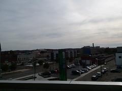 11-11-17 Dayton 23 (Chicagoan in Ohio) Tags: dayton clouds sun sunhalo leaves fallcolor