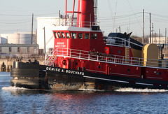 DENISE A BOUCHARD in New York, USA. March, 2018 (Tom Turner - NYC) Tags: red crimson scarlet tug tugboat bouchard deniseabouchard channel water waterway kvk killvankull tomturner statenisland newyork nyc unitedstates usa bigapple spot spotting marine maritime pony port harbor harbour transport transportation safetyfirst