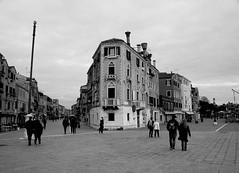 Venice street (pjarc) Tags: europe europa italy italia veneto venetian venezia venice castello street gente peoples città city foto photo digital bw black white nikon dx nikkor gennaio january 2018