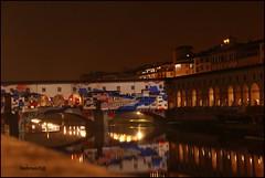 F light firenze 2015 (imma.brunetti) Tags: firenze arno pontevecchio luci riflessi flight lungarno notte luminarie acqua fiume toscana ponte natale arcate