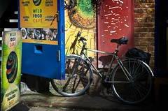 Bike Outside the Wild Food Cafe (garryknight) Tags: nikon d5100 on1photoraw2018 london creativecommons ccby30 bike bicycle cycle cafe food drink wildfoodcafe nealsyard 50mmf18g instagram