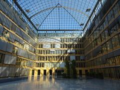 Atrium (SebastianBerlin) Tags: 2018 berlin innenhof atrium germany court германия берлин cölln breitestrase breitestrase29 10178 hausderdeutschenwirtschaft bdi bda dihk 1999 peterpschweger