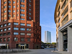 Frankfurt ECB (Aviller71) Tags: frankfurt architecture architektur skyscrapers skyline europeancentralbank ecb sunset