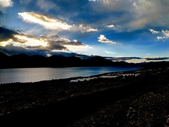 Enlighten Pangong.. (Bodhisotto) Tags: pangong sunrise pixel2xl morningmotivation ladakh endurance