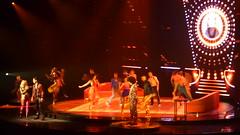 P1060894 (joelle.d) Tags: saturday night fever paris concert spectacle fauve hautot nicolas archambault disco danse