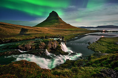 When night comes ... starts the show (FredConcha) Tags: stars kirkjufell iceland landscape nature volcanic aurora northernlights night river rocks clifs fredconcha nikond800 1424 2017