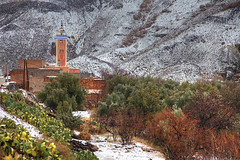 Snow in the Sahara (hapulcu) Tags: maghreb atlas maroc marocco marokko marruecos morocco ouarzazate desert hiver invierno winter