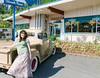 (travelkaefer) Tags: 2009 kalama myroadtripamerica urlaub washington classiccar hotrod outdoor pose text us vereinigtestaaten usa woman car truck motel diner hot rod custom 00er tradition american wa retro columbiainn restaurant