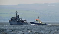 Smit Yare & HMS Hurworth (Zak355) Tags: rothesay isleofbute bute scotland scottish navy royalnavy minesweeper minehunter ship shipping boat vessel riverclyde smityare hmshurworth m39 training exercise