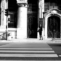 The woman on the other side (pascalcolin1) Tags: paris femme woman lunettesdesoleil sunglasses sun soleil photoderue streetview urbanarte noiretblanc blackandwhite photopascalcolin 50mm canon50mm canon