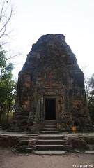 Prasat Yeay Puon Group, Sambor Prei Kuk (Travolution360) Tags: cambodia sambor prei kuk prasat yeay puon group ancient khmer ruins bricks nature forest roots kampong thom angkor war chenla travel