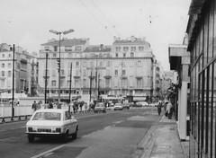 Marseille 1978 (J_Piks) Tags: france street road monochrome bw marseille 1978 lampposts streetlighting quaideriveneuve