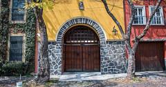 2018 - Mexico City - Doors/Windows - 5 of 13 (Ted's photos - Returns 23 Jun) Tags: 2018 cdmx cityofmexico cropped mexicocity nikon nikond750 nikonfx tedmcgrath tedsphotos tedsphotosmexico vignetting doorway door doors entrance entry streetscene street shadow shadows