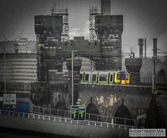 RuncornRailViaduct&Bridge2018.03.18-8 (Robert Mann MA Photography) Tags: runcorn runcornrailwaybridge runcornrailwayviaduct bridge railwaybridge viaduct railwayviaduct mersey rivermersey merseyside widnes catalyst catalystsciencediscoverycentre 2018 winter sunday 18thmarch2018 train trains londonmidland londonnorthwesternrailway class350 desiro class350desiro
