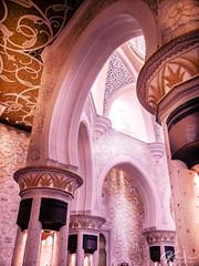 Lace & Light (Katja van der Kwast) Tags: abu dhabi uae vernigde arabische emiraten emirates mosque moskee marble flowers gold 2018 travel reizen architecture architektuur