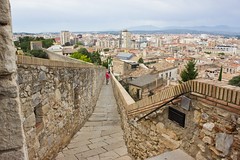 IMG_3100-1 (89lilly) Tags: girona spagna spain travel europa europe viaggi viaggiare holiday city landscapes tour castel castello photo photography fotografia canon canon550d pic città paesaggio panoramica panorama 2017 mura muro view vista street streetart streetphotography