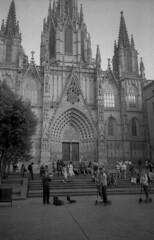 minolta_freedom_ilford_pan_400_xtol_barcelona_113 (AVITAL - www.filmcamerasn.pictures) Tags: minoltafreedom minolta barcelona streetphotograohy blackwhite xtol ilford film filmphotography