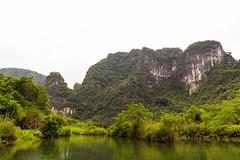 TAM_4955 (T.N Photo) Tags: nikon nikond750 d750 travel landscape river mountains boats skullisland trangan quangbinh northvietnam vn vietnam 2470mm lightroom sky cave travelphotoghapher
