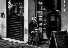 Demain, je vapote! / Tomorrow, I'll vape... (vedebe) Tags: humain human fumer ville city rue street urbain urban noiretblanc netb nb bw monochrome