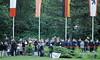 12.5.2018 Bundeswehr beim Luftbrücken Gedenktag (rieblinga) Tags: berlin tempelhof luftbrücken gedenktag 1252018 bundeswehr ehrung der toten platz luftbrücke analog r9 agfa ct precisa 100 diafilm
