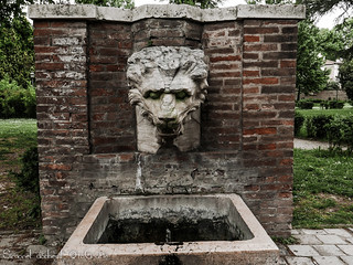 Fontana del Leone - Parco Massari - Ferrara