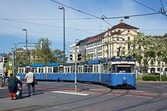 P-Zug 2006/3039 auf Wendefahrt am Stachus (Bild: Andy Paula) (Frederik Buchleitner) Tags: 2006 3039 karlsplatz linie22 munich münchen pwagen stachus strasenbahn streetcar tram trambahn