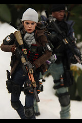 Division agents Daisy and Jon (resistance827) Tags: 16 scale action figure thedivision division custom